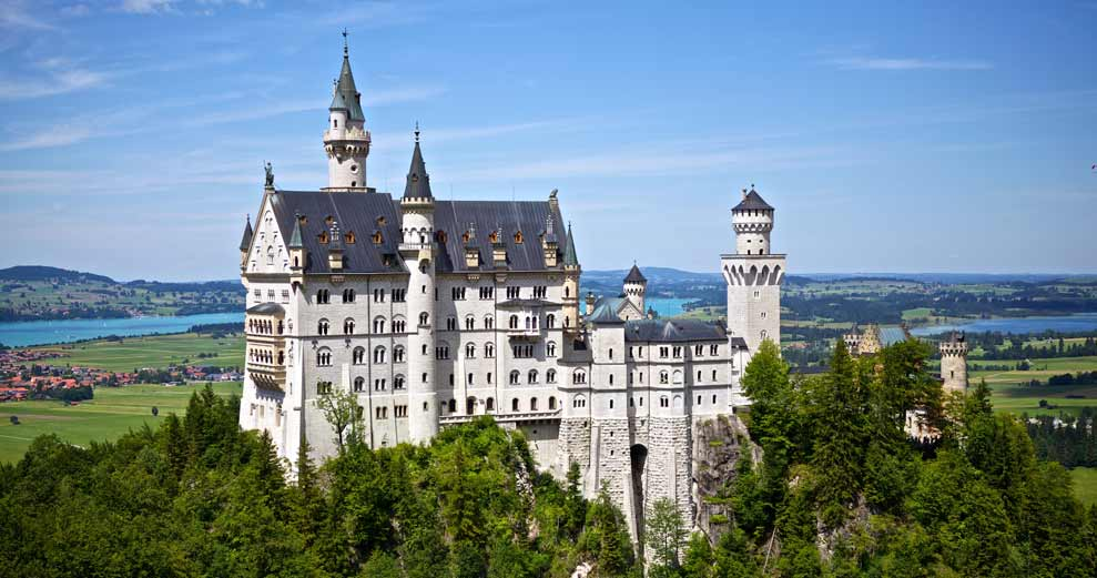 The Royal Treatment: Castles for Student Travel